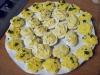 Canapes alla maionese e uova ripiene